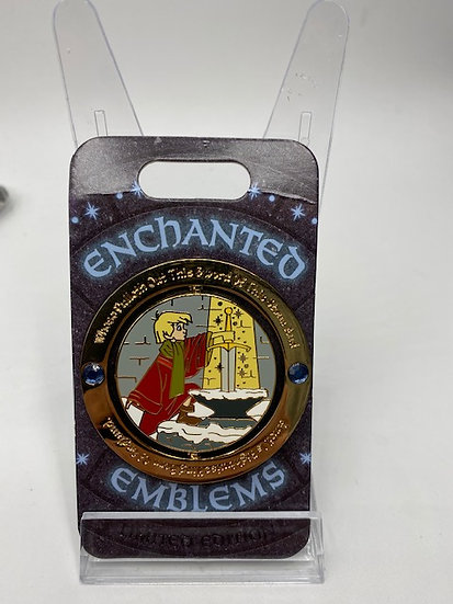 Sword in the Stone Enchanted Emblems LE 3000 DLR Spinner Pin Arthur