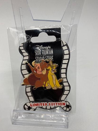 Lion King Simba Pumbaa & Timon Singing LE 150 Surprise Pin DSF DSSH