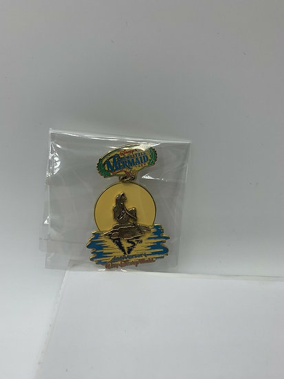 The Little Mermaid 15th Anniversary WDW LE 2000 Pin Ariel on the Rock