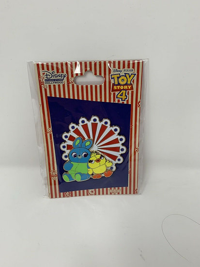 Pixar Toy Story 4 Duck and Bunny Surprise LE 150 Pin DSF DSSH Forky