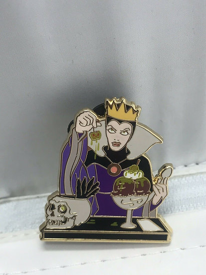 Disney Evil Queen Sundae Villains Lanyard LE 300 Pin DSF DSSH GWP Snow White