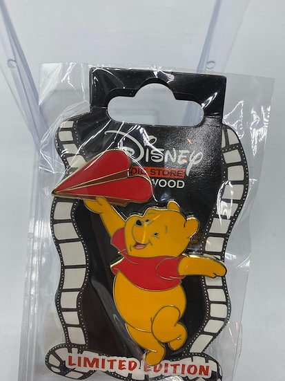 Winnie the Pooh Valentine's Day Love Notes LE 400 Pin DSF DSSH