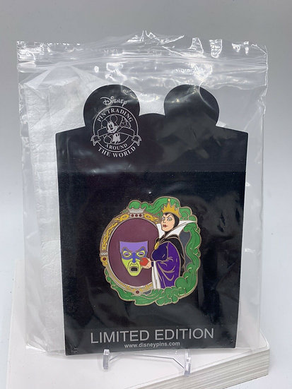 Evil Queen Evil Divas LE 125 Pin Villains Snow White Shopping Store
