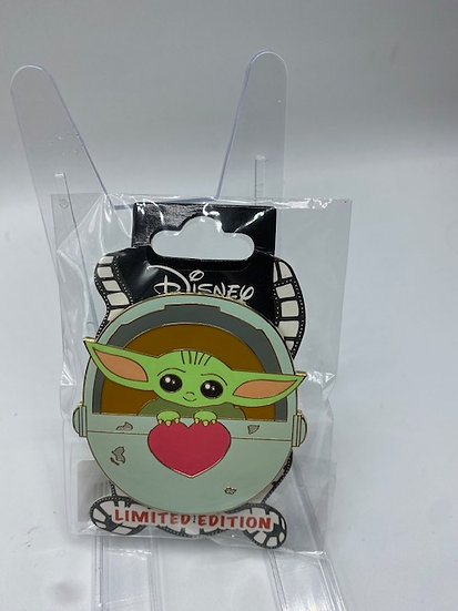 Grogu Baby Yoda The Child Valentine's Day Love Notes LE 400 Pin DSF DSSH