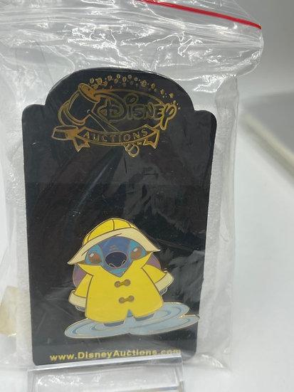Stitch in Raingear LE 500 Auctions Pin Lilo & Stitch Puddle