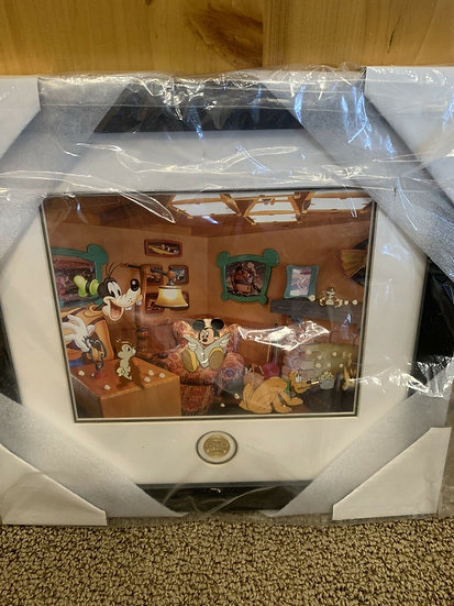 Mickey's Toontown Boys Night at Mickey's WDW LE 75 Framed Pin Set Chip