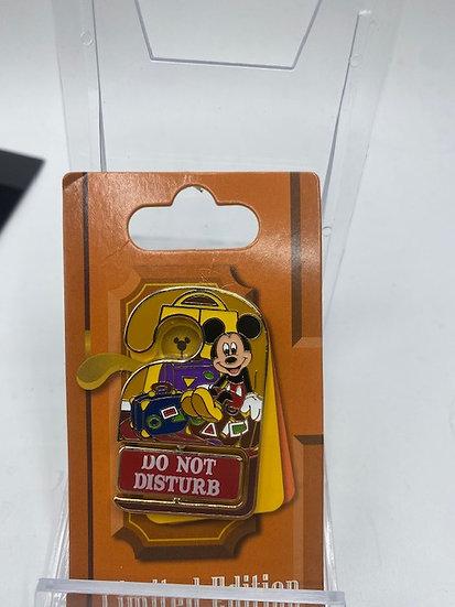 Mickey Mouse Do Not Disturb Hilton Head Island Resort LE Pin WDW
