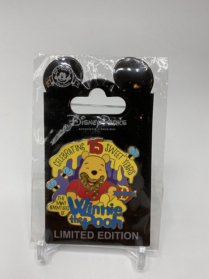 Many Adventures Winnie the Pooh 15th Anniversary LE 500 Cast Pin DLR