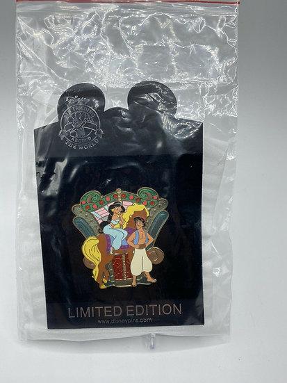 Aladdin and Jasmine Shopping Store World of Disney Carousel LE 125 Pin