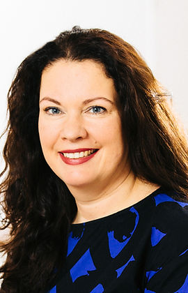 Dr. Julia Schweitzer