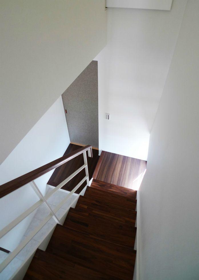102 階段見下し-1