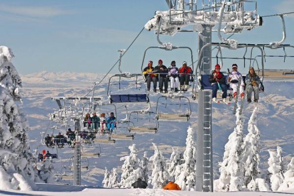 Kopaonik-ski-center-cable-car