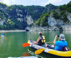 Kayaking-Uvac-lake