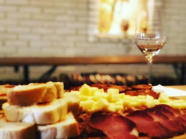 Sremski-Karlovci-food-and-vine