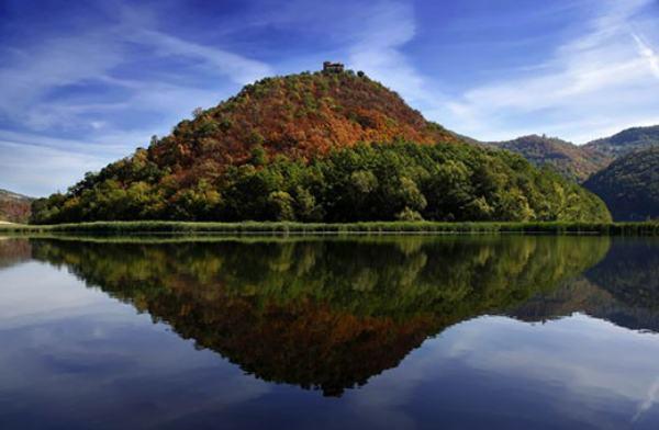 Medjuvrsje-lake