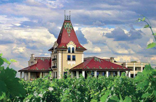 Zvonko-Bogdan-Winery-from-outside