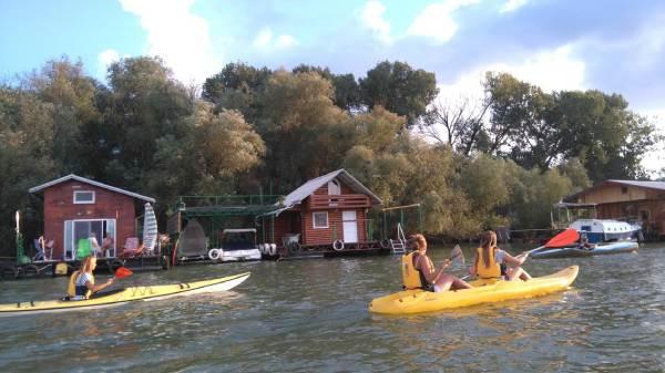 Ada-lake-kayaking