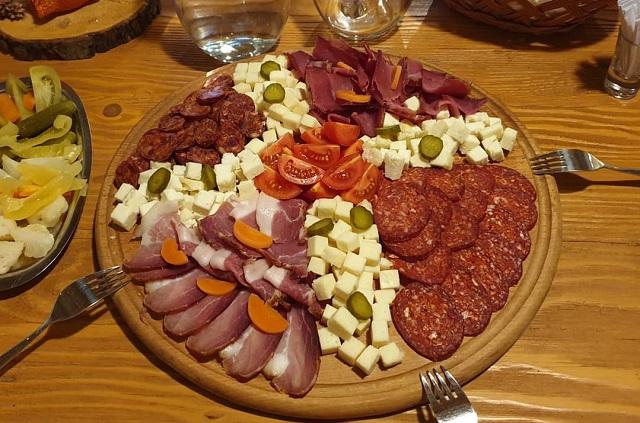 Serbian meze