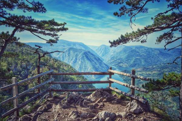 Banjska-rock-viewpoint-National-park-Tar