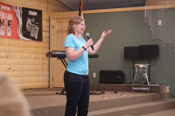 Laurie sharing her testimony