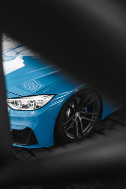 BMW M4 / Yas Marina Blue - Wallpaper