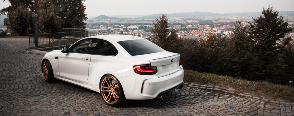 BMW M2 - Wallpaper
