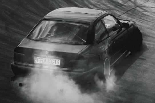 BMW M3 E36 - Burnout - Wallpaper - Raceism