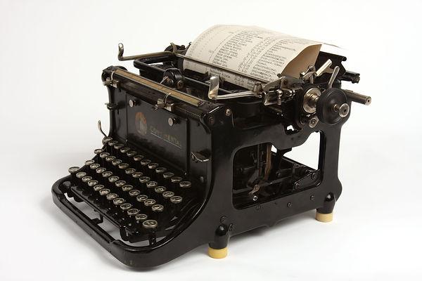Typewriter-4K.jpg