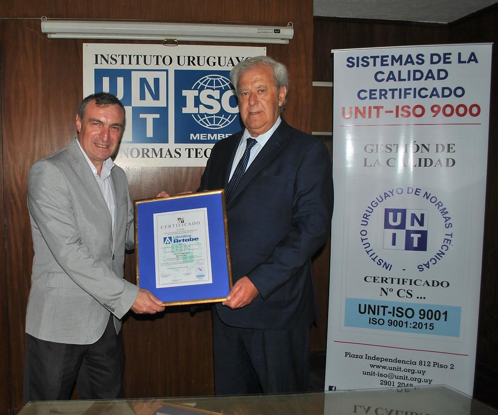 Director de UNIT, Ing.   Pablo Benia y Director de Laboratorio Artobe, Ec. Alejandro Gold