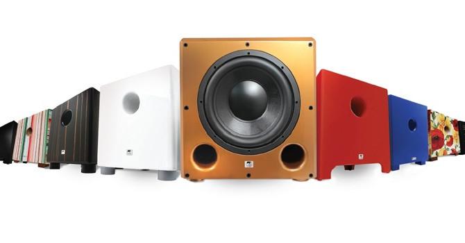 Opções de caixas de som para complementar projetos arquitetônicos