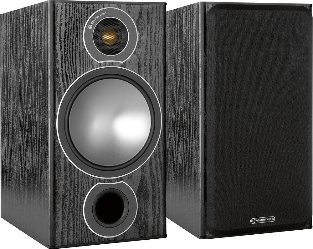 Remover as telas das caixas ajuda a melhorar a qualidade do som - Caixas Monitor Audio