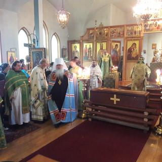 Поклонение мощам преподобного Германа Аляскинского, первого православного Святого Америки