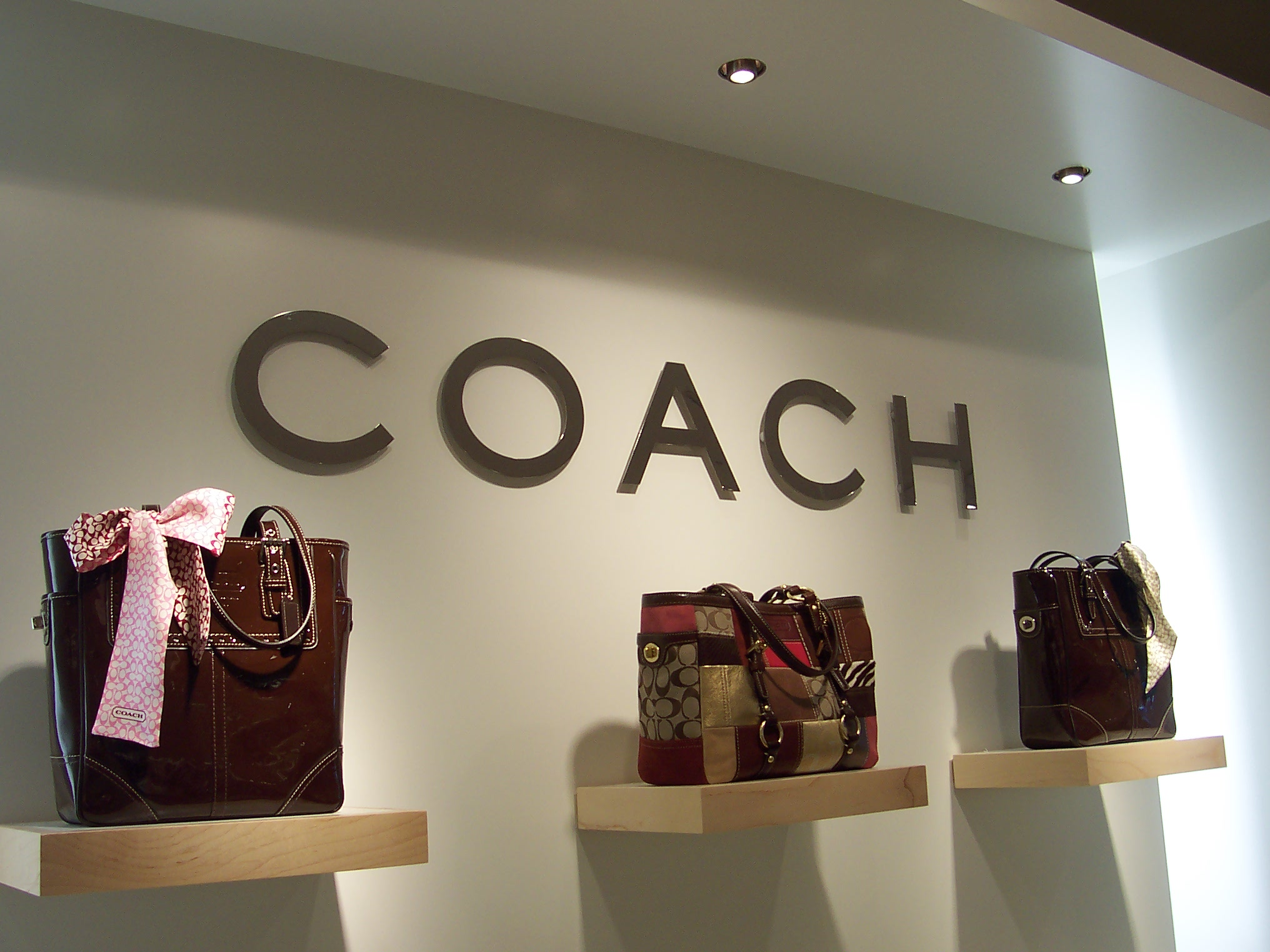 coach 001.jpg