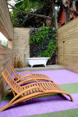 Natural Vertical Garden - exterior 05