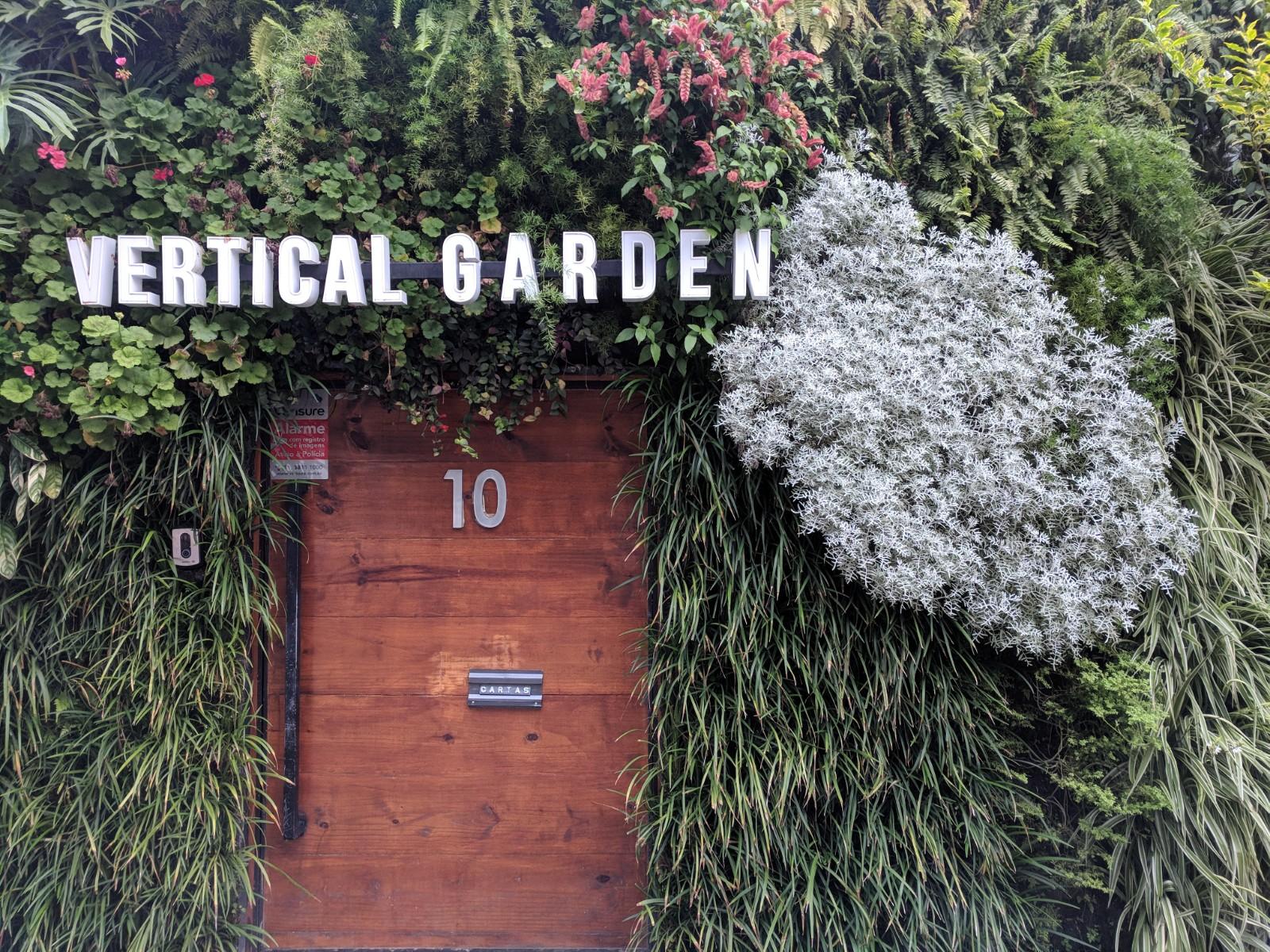 Natural Vertical Garden - exterior 14
