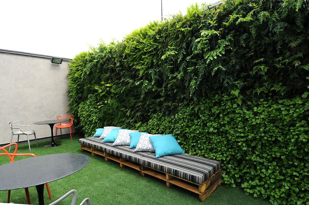 Natural Vertical Garden external