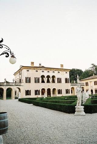 Italian Garden Wedding | Villa Giona