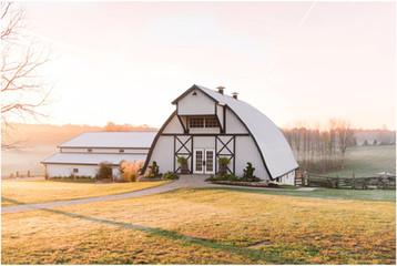 Bloomington Indiana Wedding Photographer | The Loft at Walnut Hill