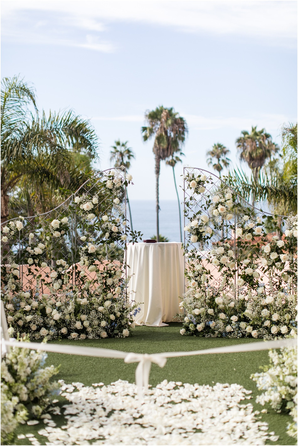 La-Jolla-California-Wedding-La-Valencia-Hotel