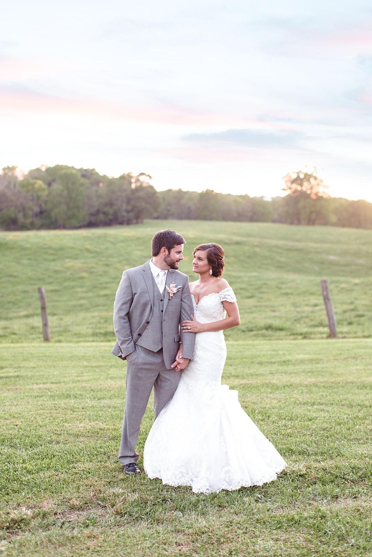 romantic wedding day poses