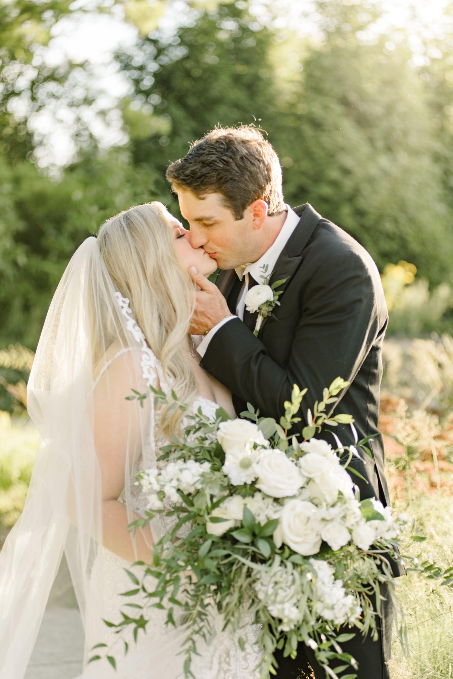 Indianapolis-Wedding-Photography-romantic-wedding-photos
