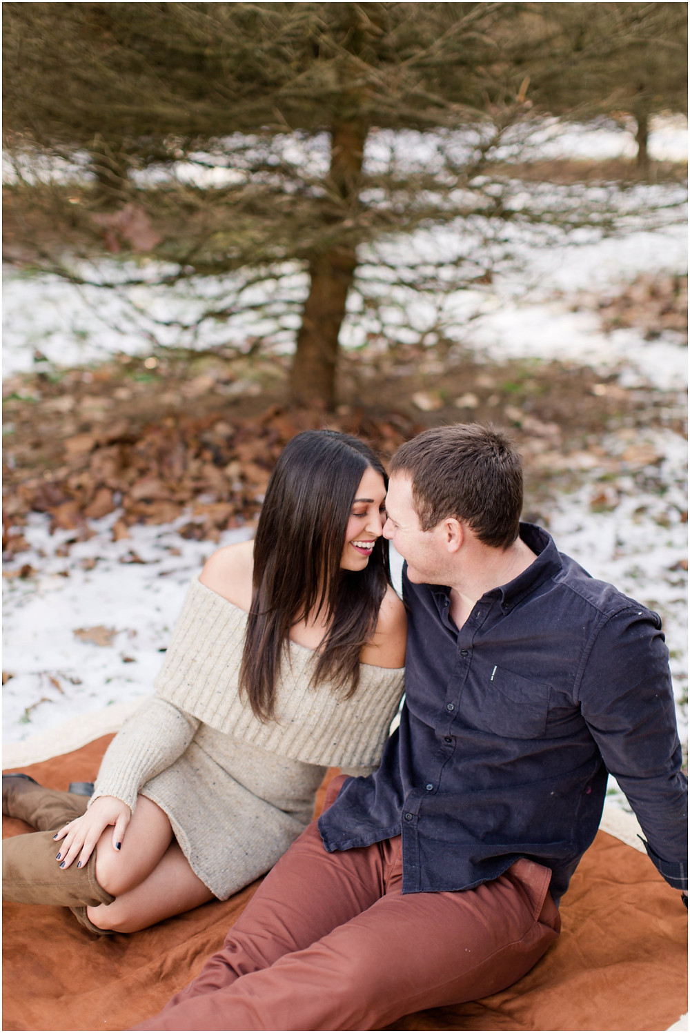 Snowy-engagement-photos