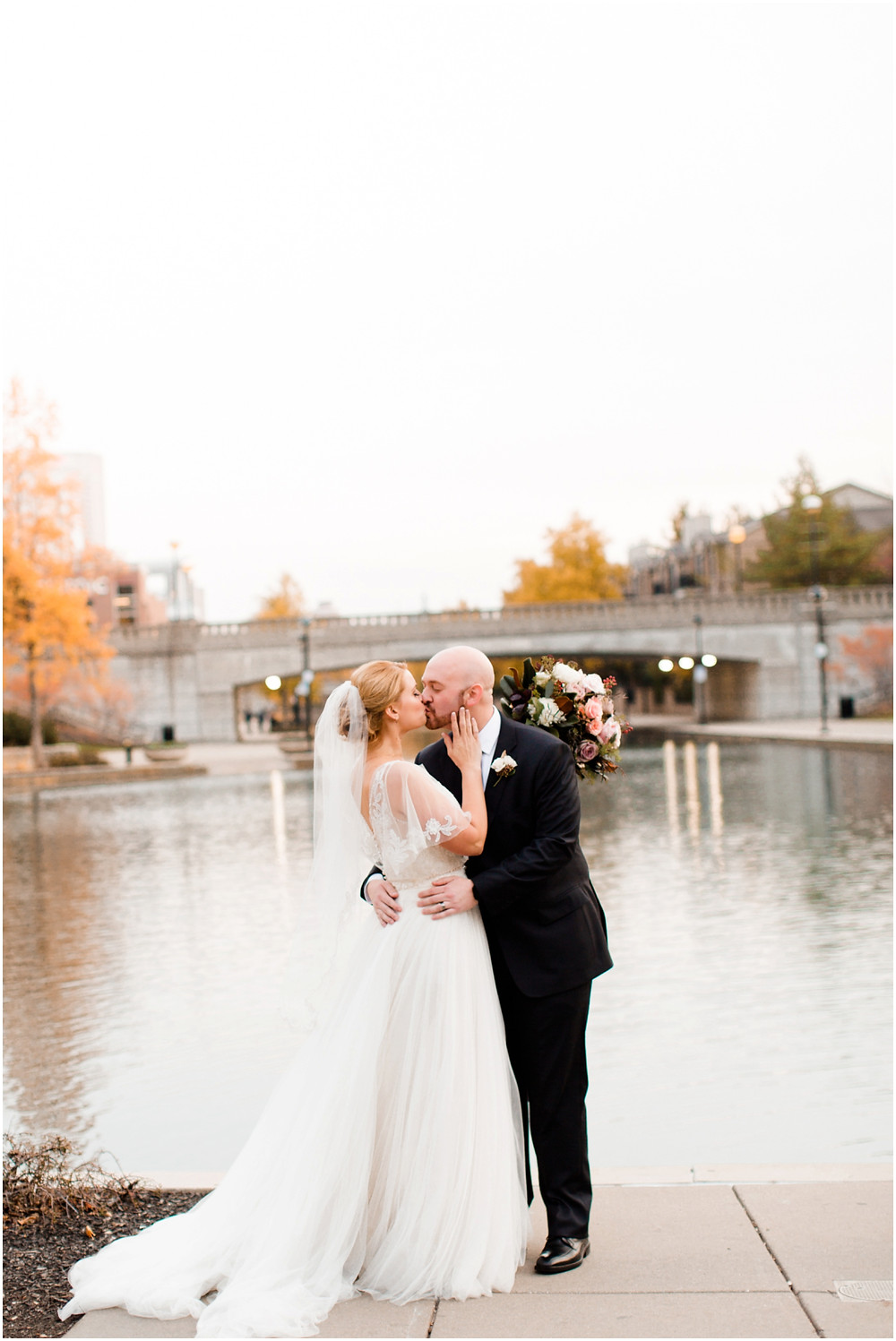 Canal 337 wedding ceremony