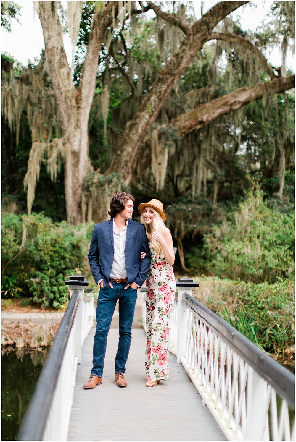 Magnolia-Plantation-Engagement-session