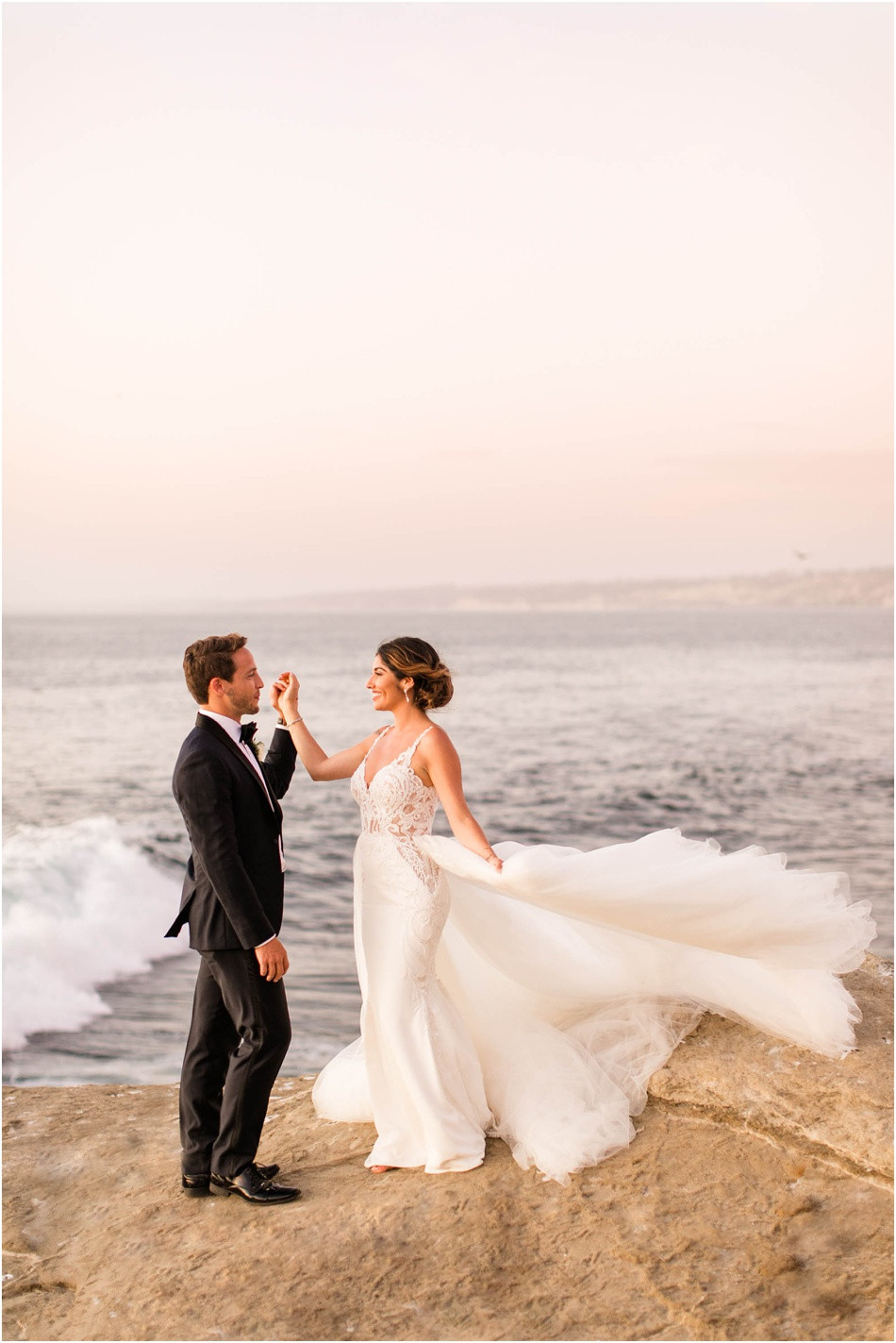 La-Jolla-California-Wedding-La-Valencia-Hotel-