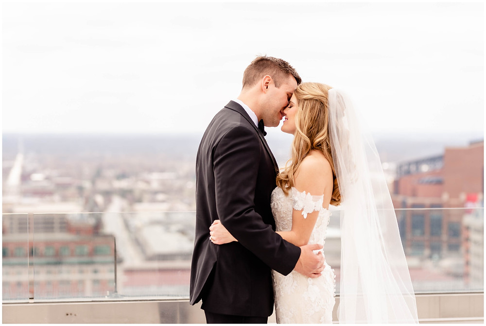 First-look-bride-and-groom-conrad-indy-rooftop