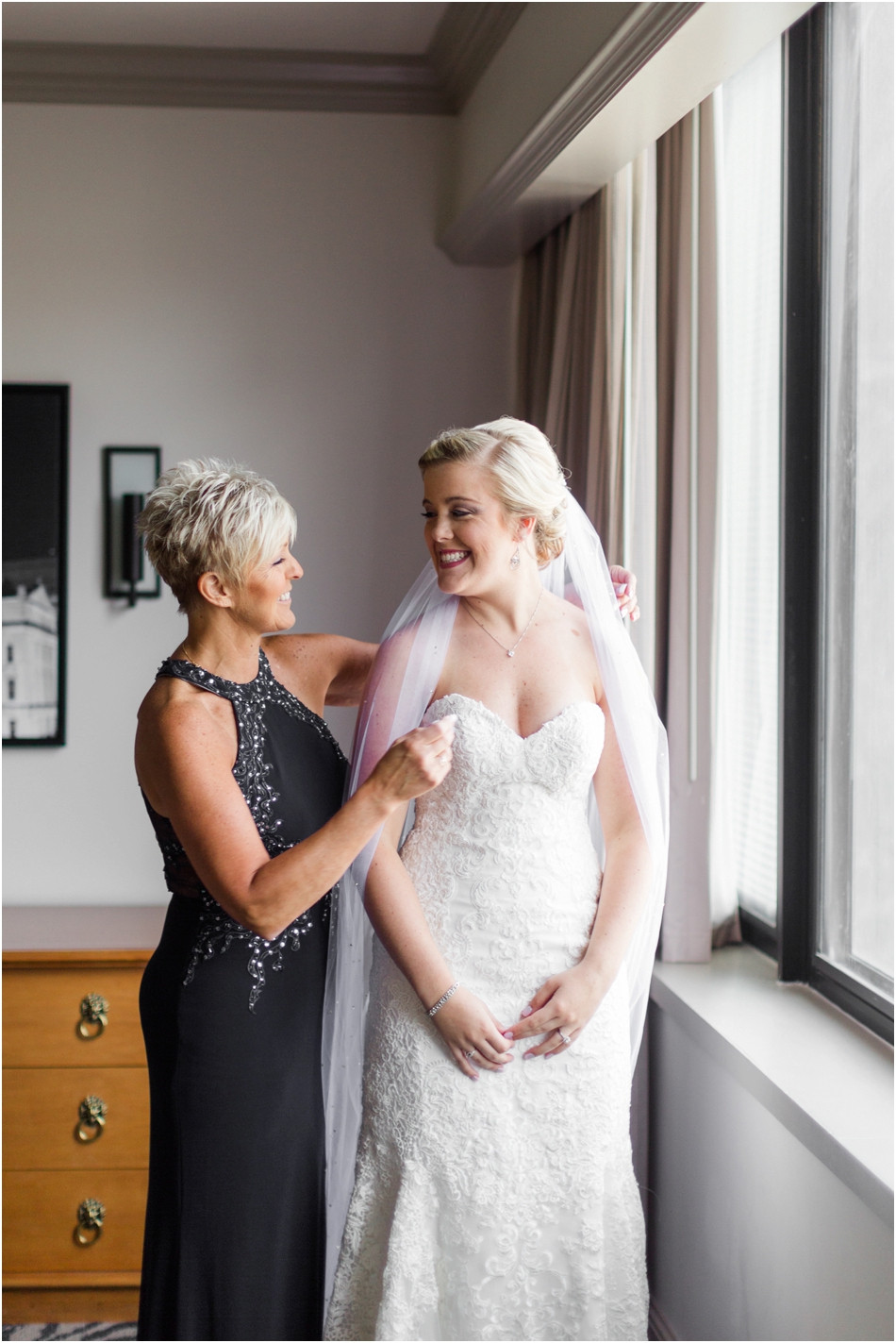 Bride-getting-ready-photos
