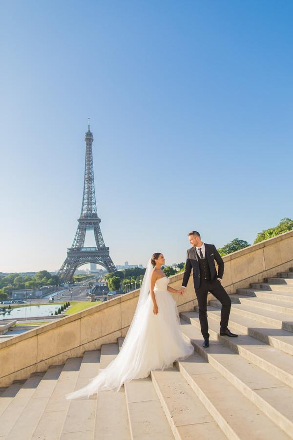 Wedding photos in Paris France
