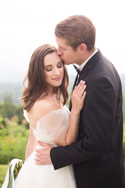 romantic wedding poses