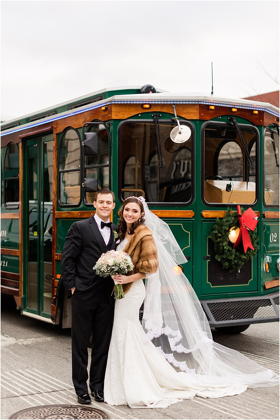 Wedding-trolley-downtown-indianapolis